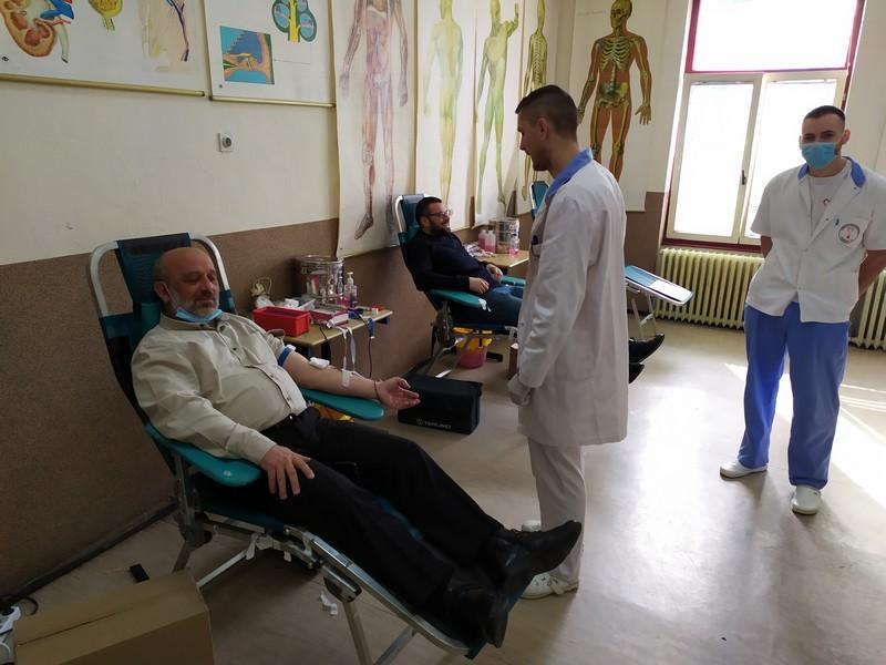 Sveštenici darivanje krvi 00008