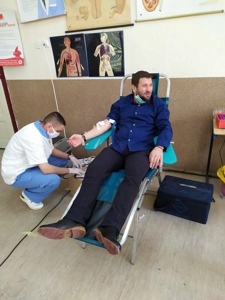 Sveštenici darivanje krvi 00010